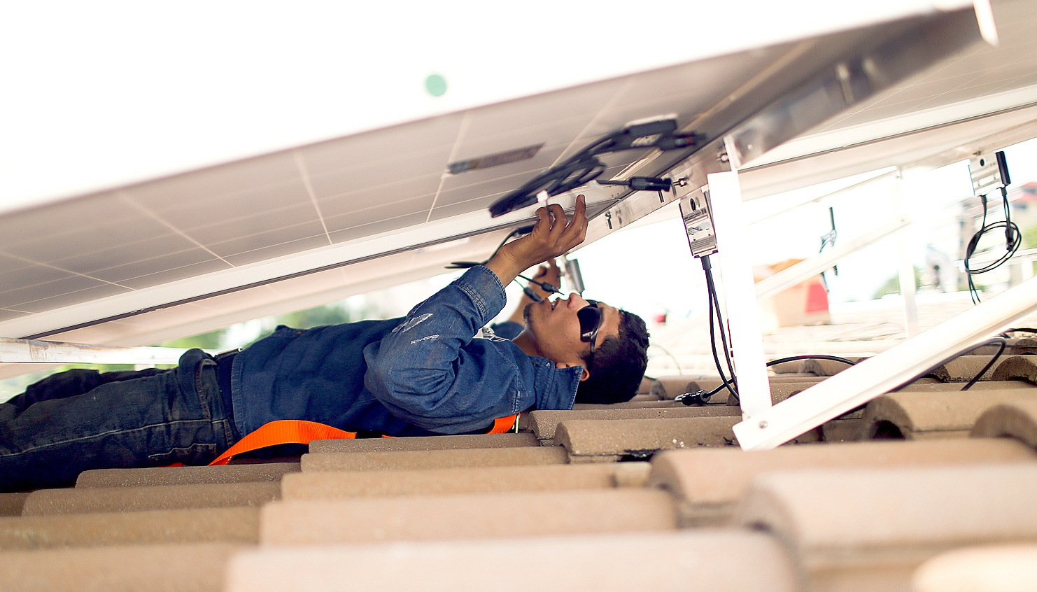Proceso De Instalaci 243 N De Paneles Solares Breve Gu 237 A